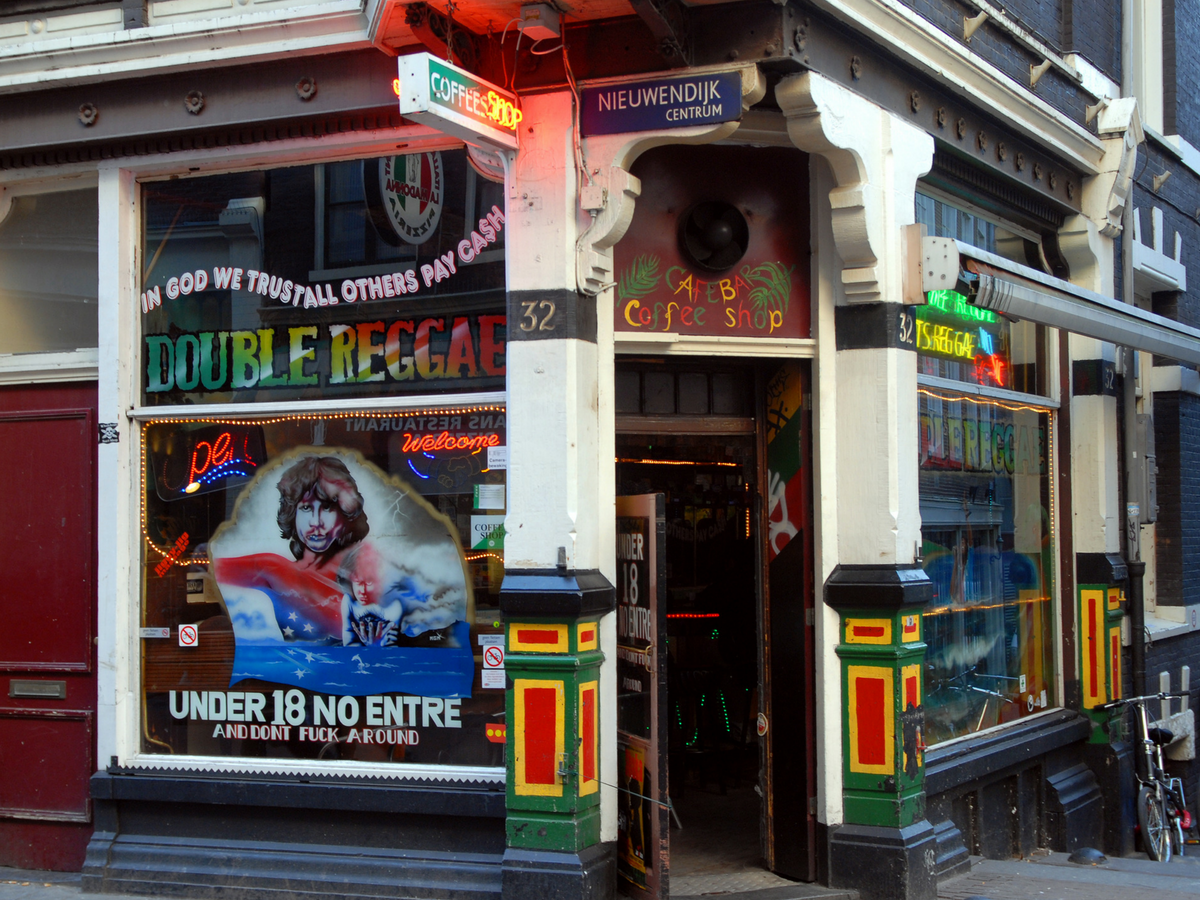 Cannabis_Coffeeshop_Double_Fantasy_Amsterdam