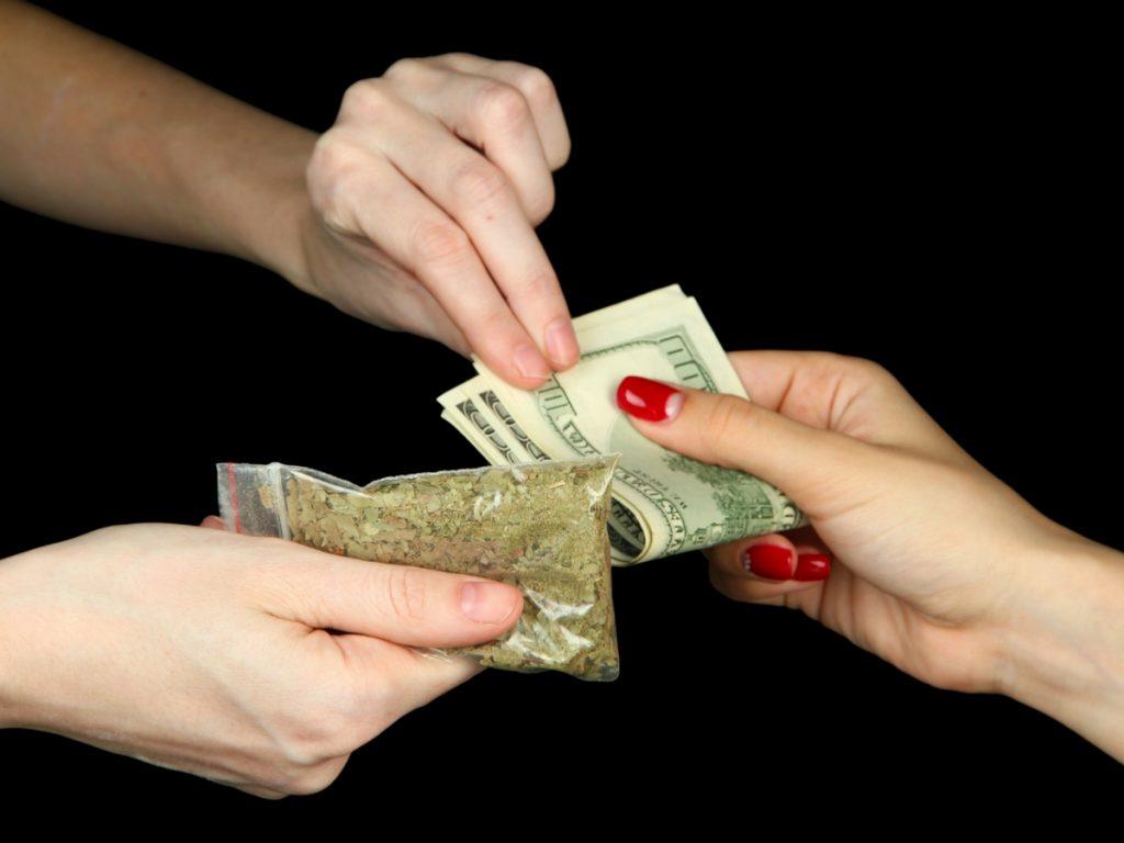 cannabis_consumers_forgo_dispensaries
